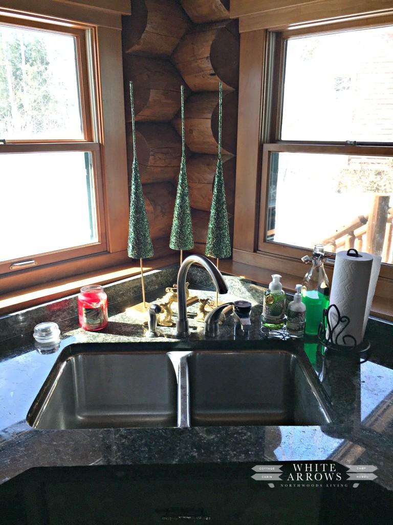 log home-kitchen-sink