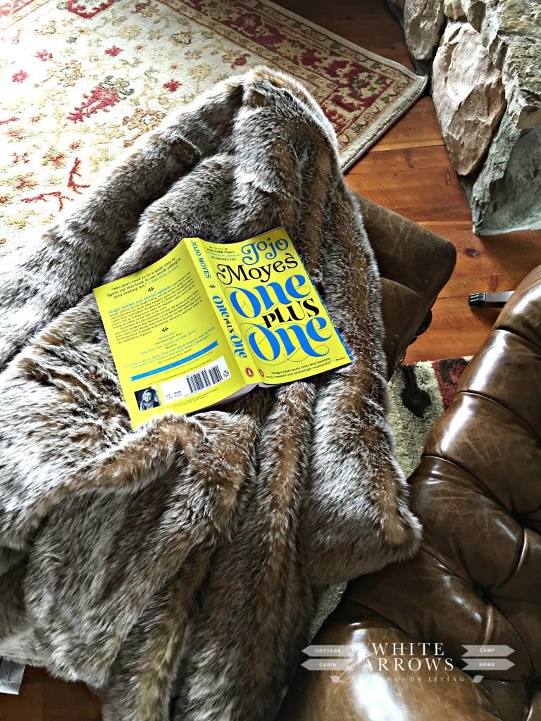 Reading, JoJo Moyes, Fur Throw