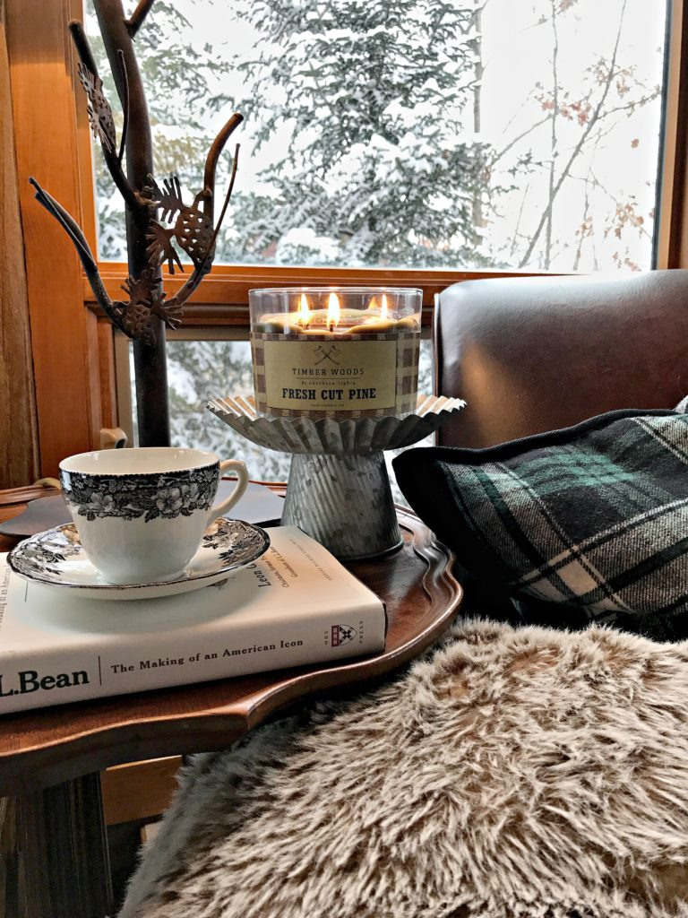 cozy cabin, Northern Lights candle, log cabin, cottage, hygge