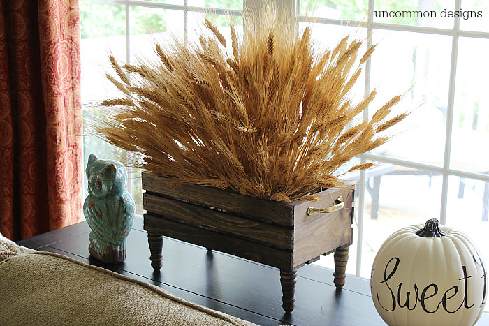 wood-crate-wheat-centerpiece-uncommon-designs