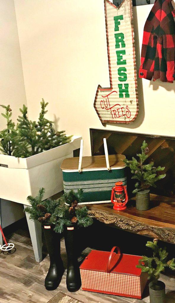 christmas-entryway-mudroom