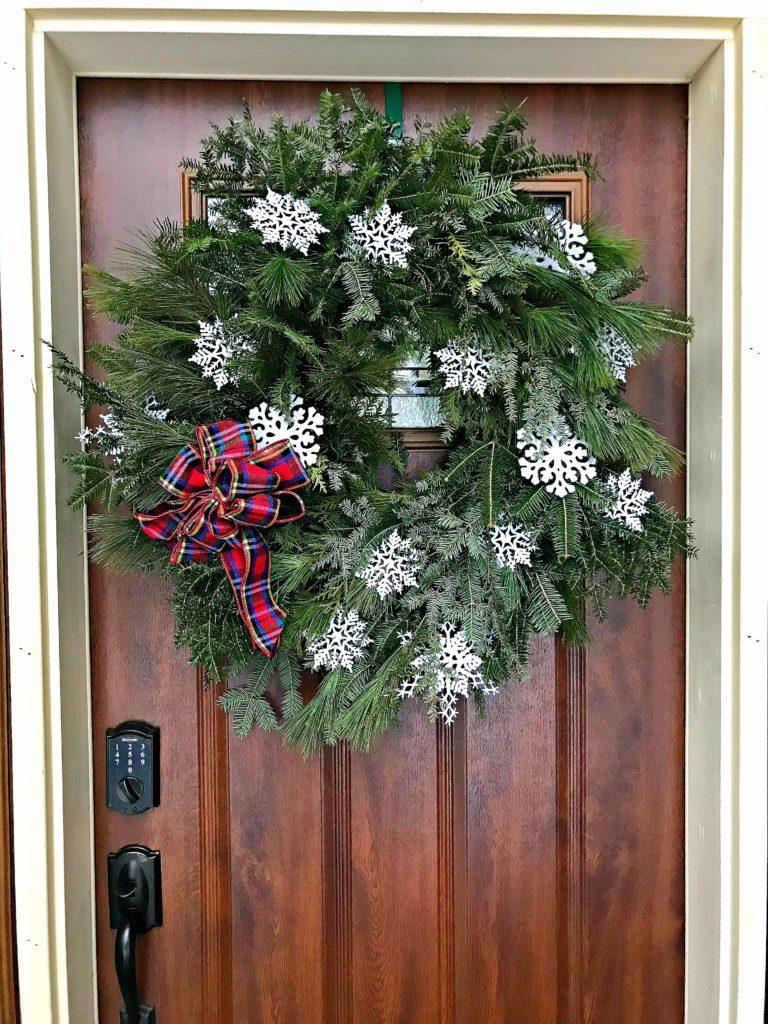 Christmas Decor, Holiday Decor, Christmas wreath, wreath, front door, front door wreath, snowflakes, plaid bow