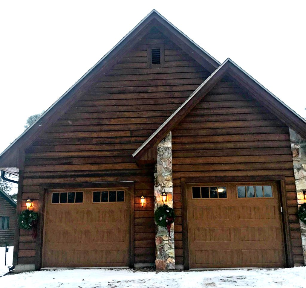 Christmas Decor, Holiday Decor, Garage, Lake House, Cabin, Cottage, wreaths