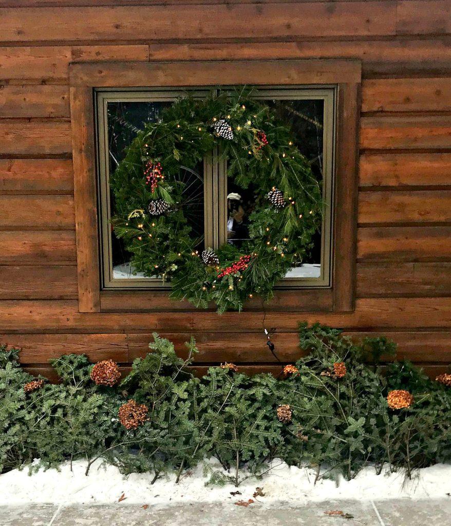 Christmas Decor, Holiday Decor, Christmas Wreath, Wreath, cabin, lake house, cottage, fresh greens, dried hydrangea