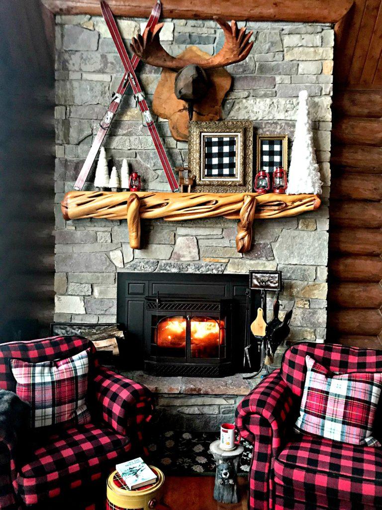winter-decor-apres-ski-buffalo-plaid