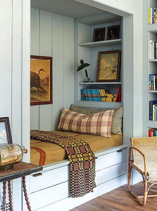 book-nook-reading-closet