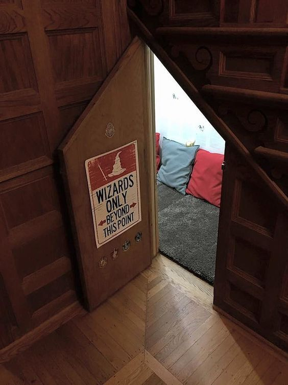 book-nook-under-stairs-harry-potter