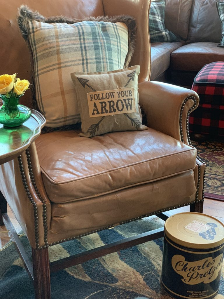 spring-green-deocr-charles-pretzel-tin-leather-chair