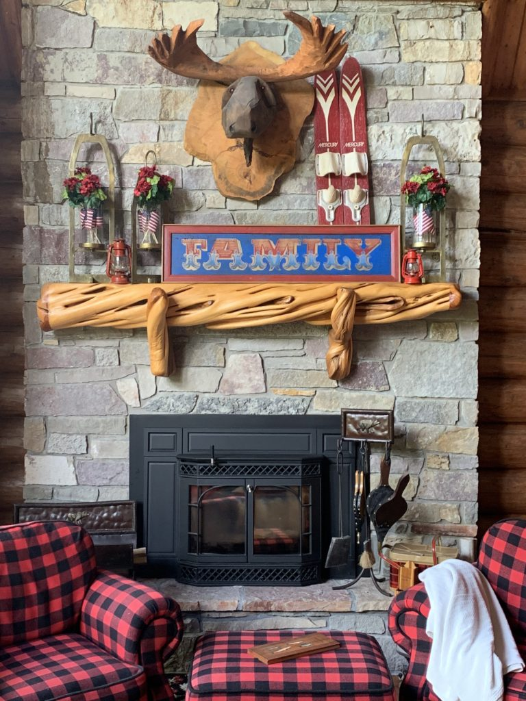 summer-lake-house-mantel-buffalo-plaid-cabin-cottage-red-white-blue