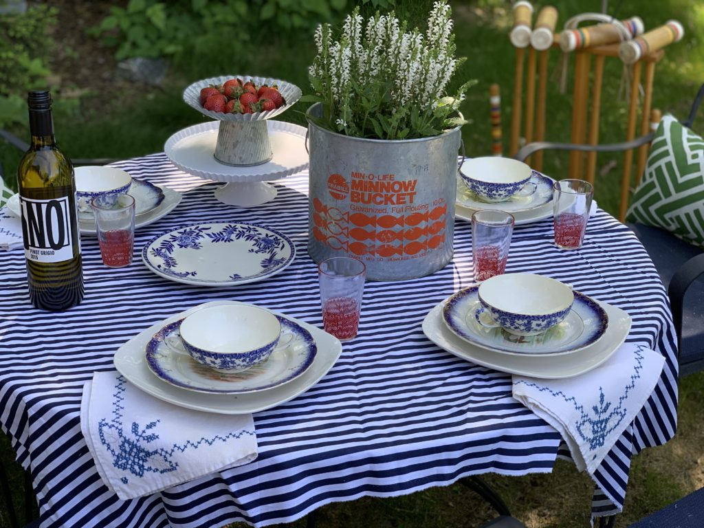 patriotic-fourth-of-july-table