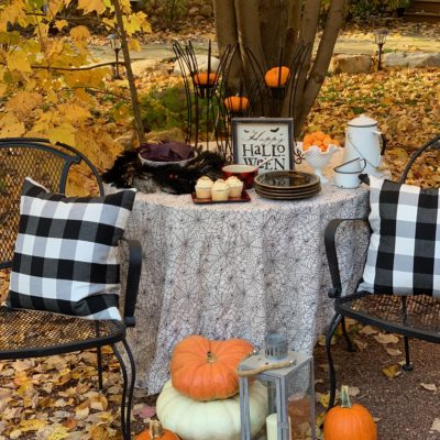 20 Halloween Tablescapes on Tour