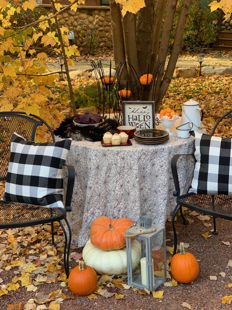 Halloween Table in the Northwoods