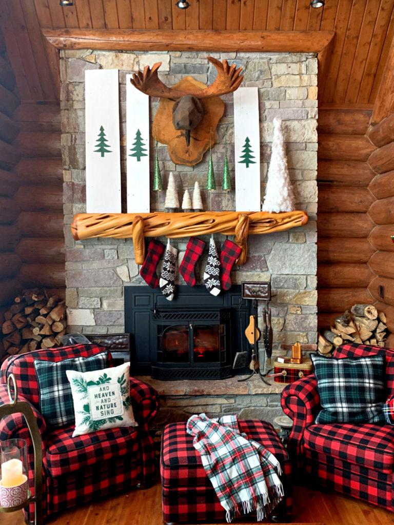 cabin Christmas Mantel