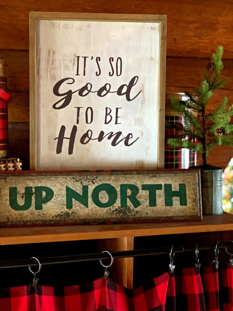 Entryway Signs Up North Good to be Home