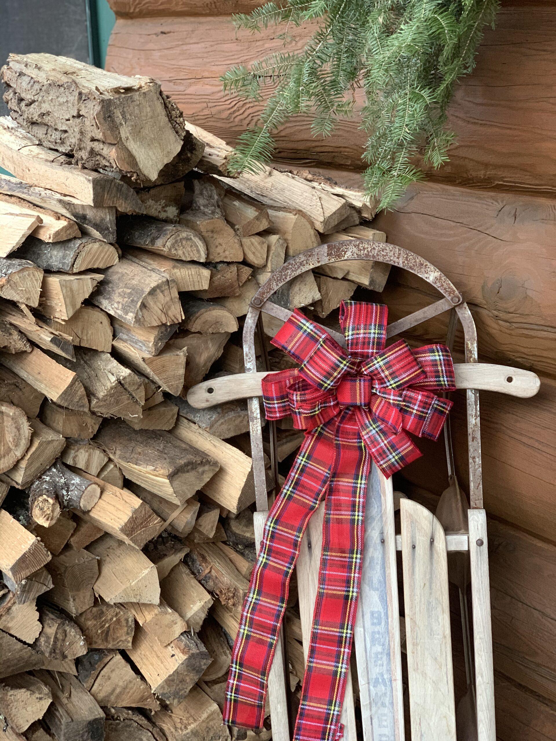 Simple Christmas Porch Decor