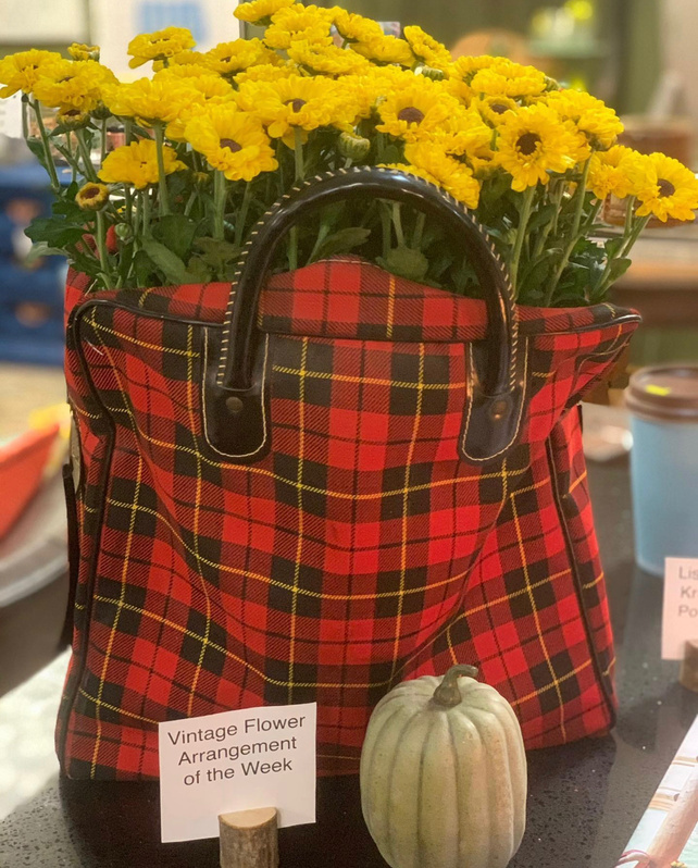 mums in vintage plaid thermos tote