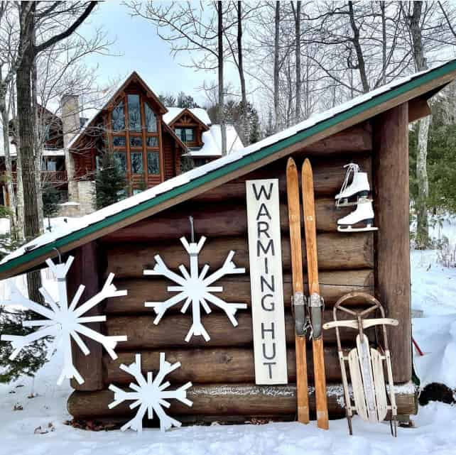 Shed decor decorated for winter
