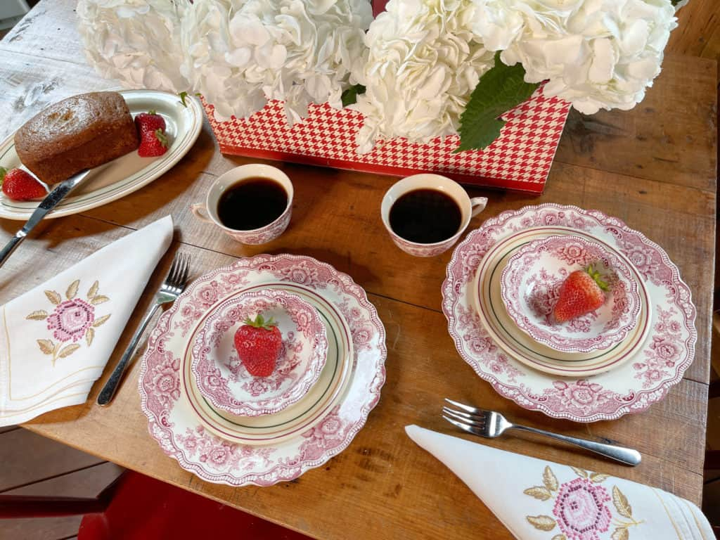 Summer Sunroom Table with strawberrys and coffee